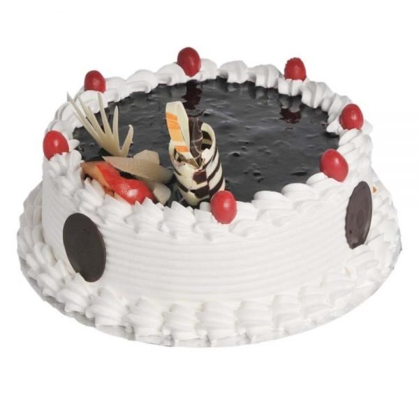 Round shaped black current cake
