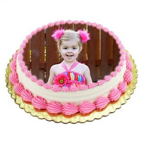 Round shaped special strawberry photo cake